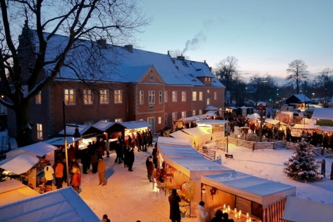 The Adventsmarkt der Domäne Dahlem or The Advents Market of the Dahlem Manor, is a German Christmas Market located in a former aristocratic manor! ©K. Wendlandt