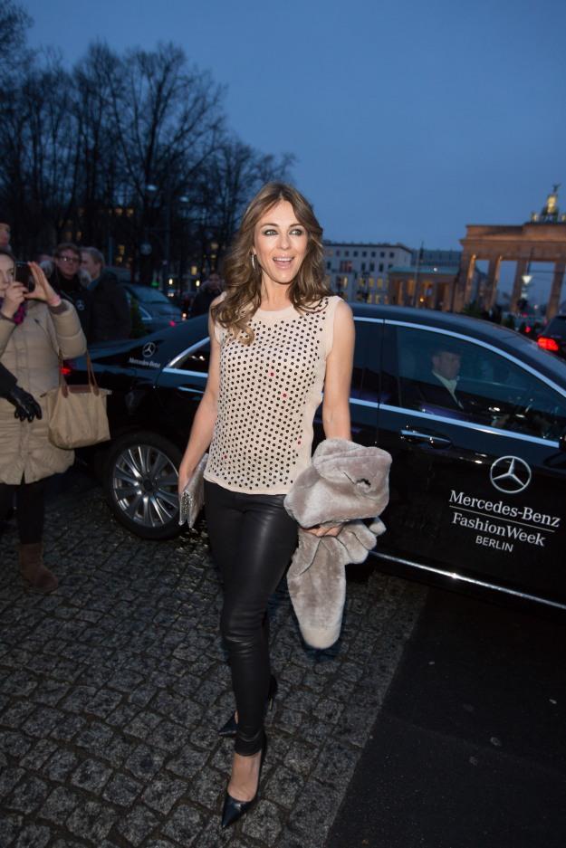 Liz Hurley - Mercedes-Benz Fashion Week Berlin Autumn/Winter 2014 in Berlin am 16.01.2014