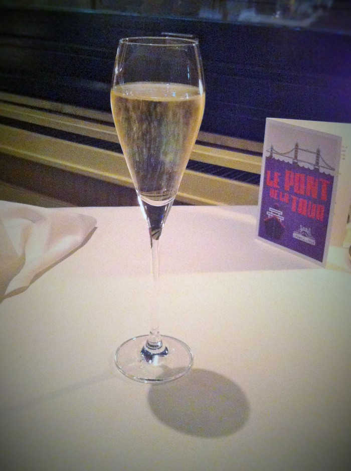 A lovely glass of bubbly champagne!