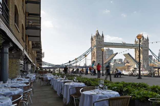 Le Pont de la Tour's outside terrace. You can clearly see the Tower of London.
