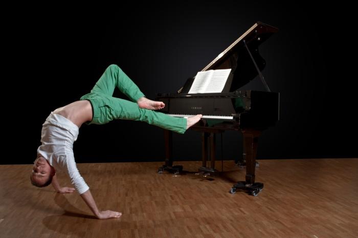 Breakin' Mozart Daniel DDC stretching out. Photo credit: Jonathan. F. Kromer