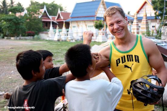 Laughing and smiling in Bangkok. Photo@ Bangkok Vanguards