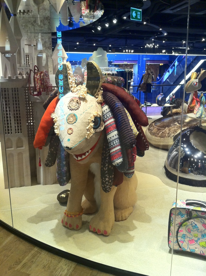 I don't know what it is. Is it some sort of elephant? But I want to take it hooooome!