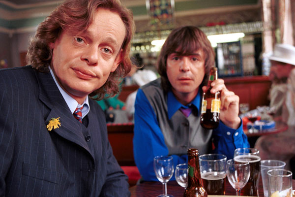 """Does anyone remember """"Men Behaving Badly"""" starring Martin Clunes & Neil Morrissey? Gosh, those were the days! Photo @BBC Entertainment"""