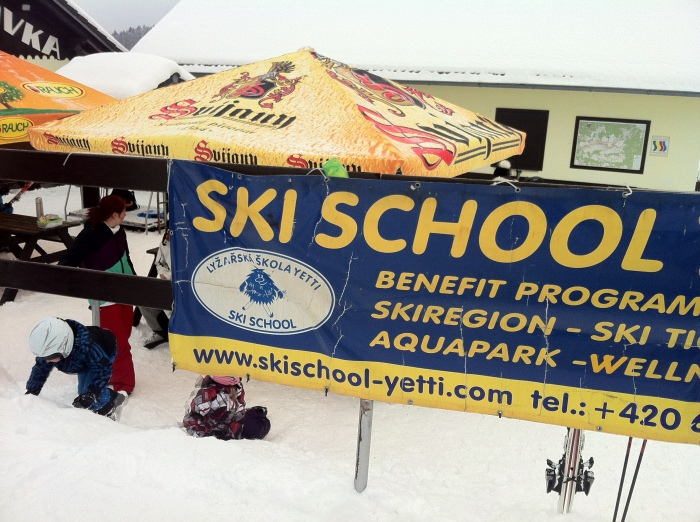 Ski School Yetti in Rokytnice nad Jizerou.