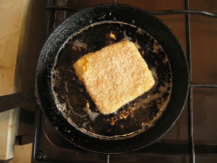 Smažený sýr being fried again and again and again!