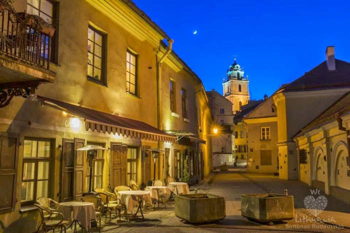 Vakaras-Vilniaus-senamiestyje
