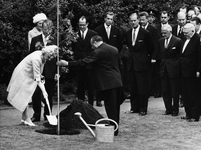 The Queen planting the seed of friendship in Germany. 1965 © Ullstein Bild