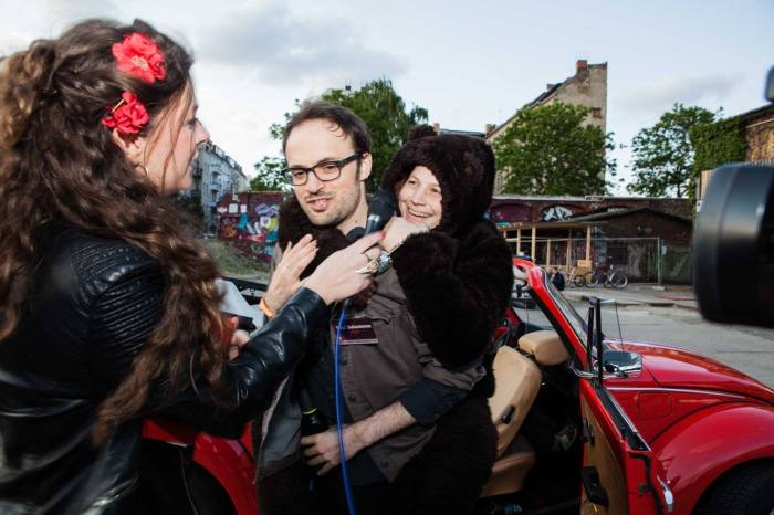 Paul Salamone getting cosy with the Berliner Bear at the Berlin Music Video Awards!
