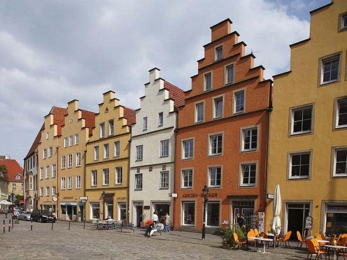 Gabled houses in Osnabrück market place. ©Tourismusverband Osnabrücker Land e.V.