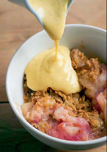 Rhubarb crumble and custard.