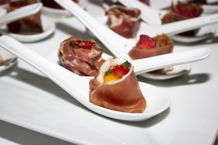 Serrano ham tapas for everyone!
