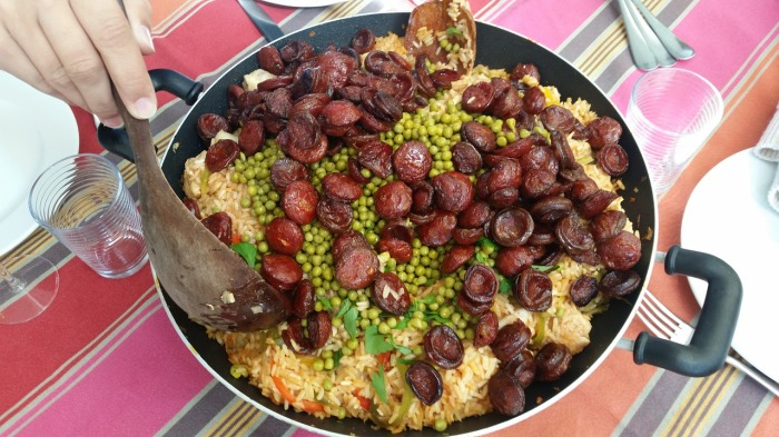 Paella with sausages, rice & peas!