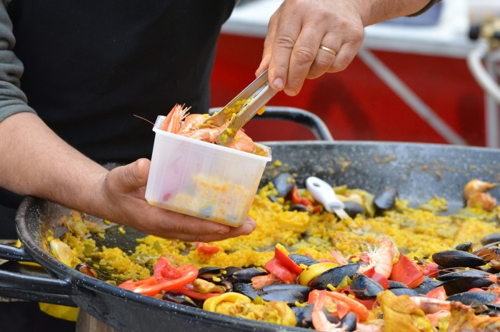 Paella is Spain's national dish and traditional enough to be a symbol of Spanish streetfood too!