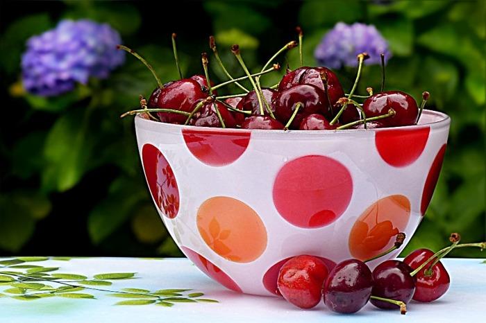 Victoria's Summer European Challenge has begun! Top 9 reasons why Danish food isn't just smørrebrød, seasonal berries & herbs, but can be awfully tasty!