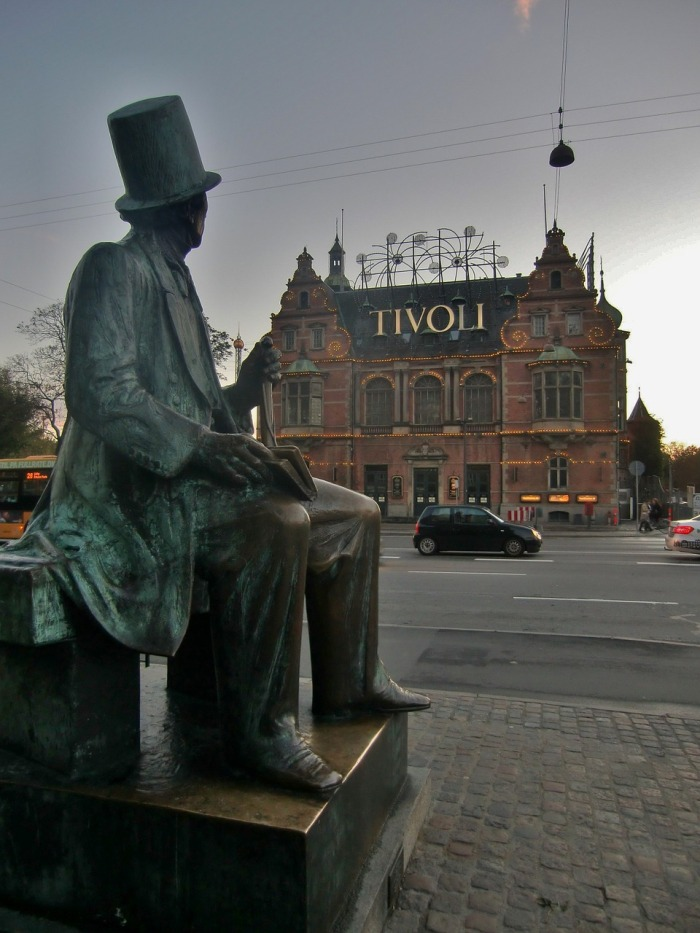 Er. Not spending money in Copenhagen Mr. Hans Christian Anderson. What's that now? Surely not! How to visit Copenhagen on a budget. Even though I missed my last connection. Again!