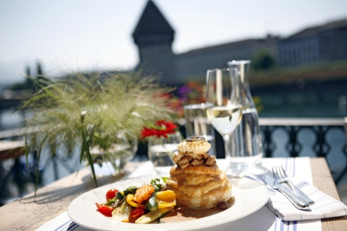 Luzerner Chügelipastete - a puff-pastry shell filled with diced veal and mushrooms in a creamy sauce! ©Hans R. Amrein Why you should visit Switzerland, and eat cheese!