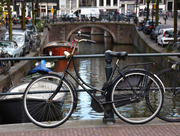 How to visit Amsterdam in two days. With a teenager - Cycle through the city!