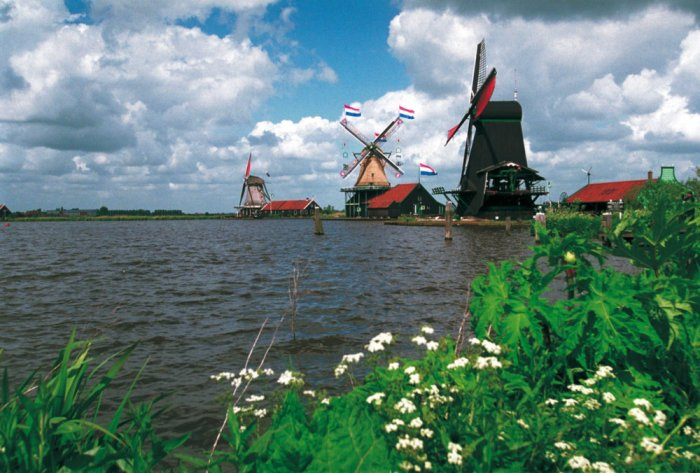The Zaanse Schans is a unique part of the Netherlands! @Bart Homburg