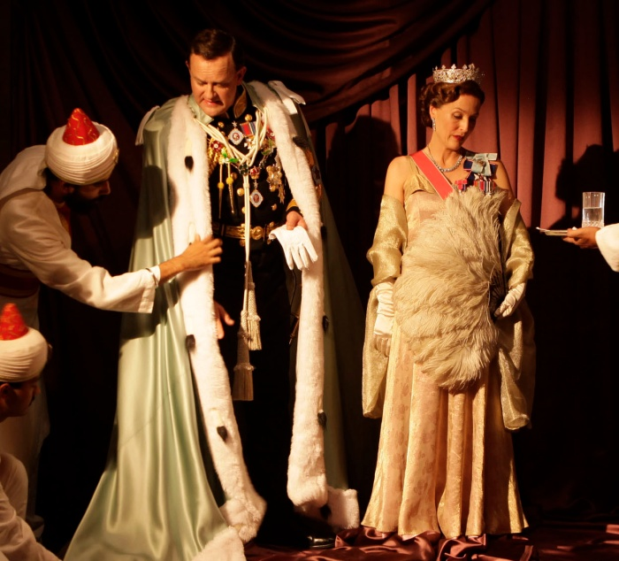 Viceroy's House - Hugh Bonneville & Gillian Anderson Kerry Monteen ©Bend It Films Pathé