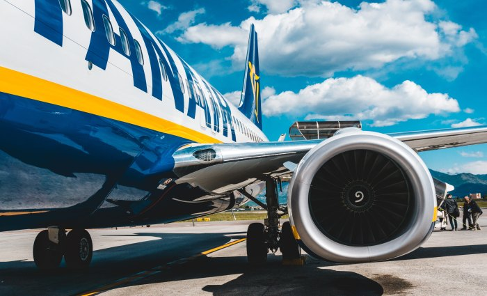 Ryanair – A no-frills budget airline. Is it worth the plunge?