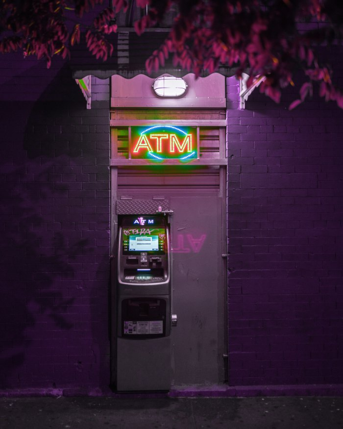 ATM; ATM machine; cash machine; cash; machine; money; safety; city; street; scams; scammed; tricks; trickster; scam