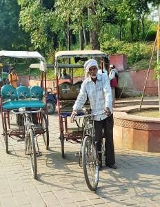 Cycle rickshaws; pedicabs; trishaws riders in India; taxi; drivers, bicycle; scams, Agra; Delhi; India